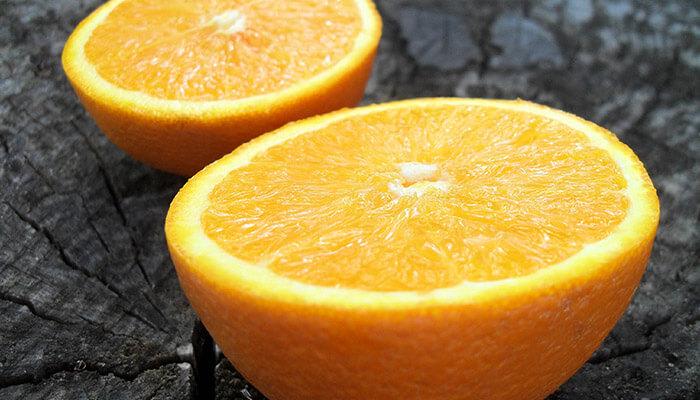 How to Defrost Frozen Oranges