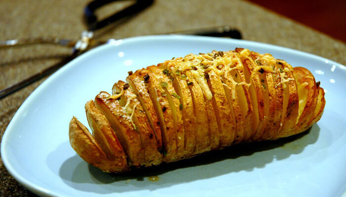 How to Defrost and Reheat Baked Potatoes